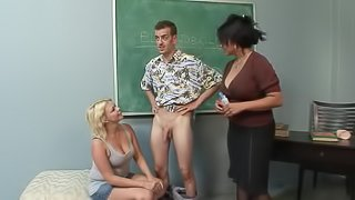 Natural tits teacher giving huge dick blowjob in reality ffm porn