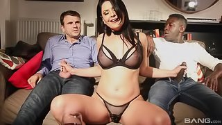 Mariskax grinds it hard in this interracial threesome