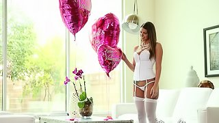 MILF gets a special deliver of flows, balloons and cock